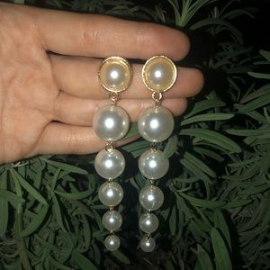⭐️4/$23 gold faux pearl dangle earrings